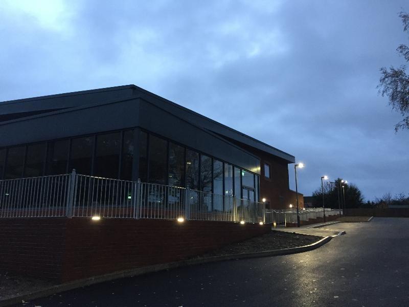 http://westridgeconstruction.co.uk/wp-content/uploads/2018/11/oakhall1-1.jpg